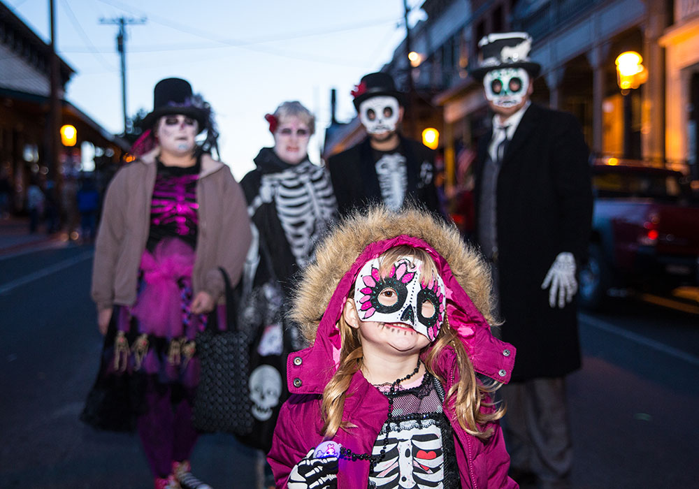 HAUNTOBER IN VIRGINIA CITY - Fall Activites